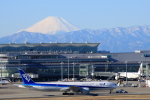 forgingさんが、羽田空港で撮影した全日空 777-381/ERの航空フォト(飛行機 写真・画像)