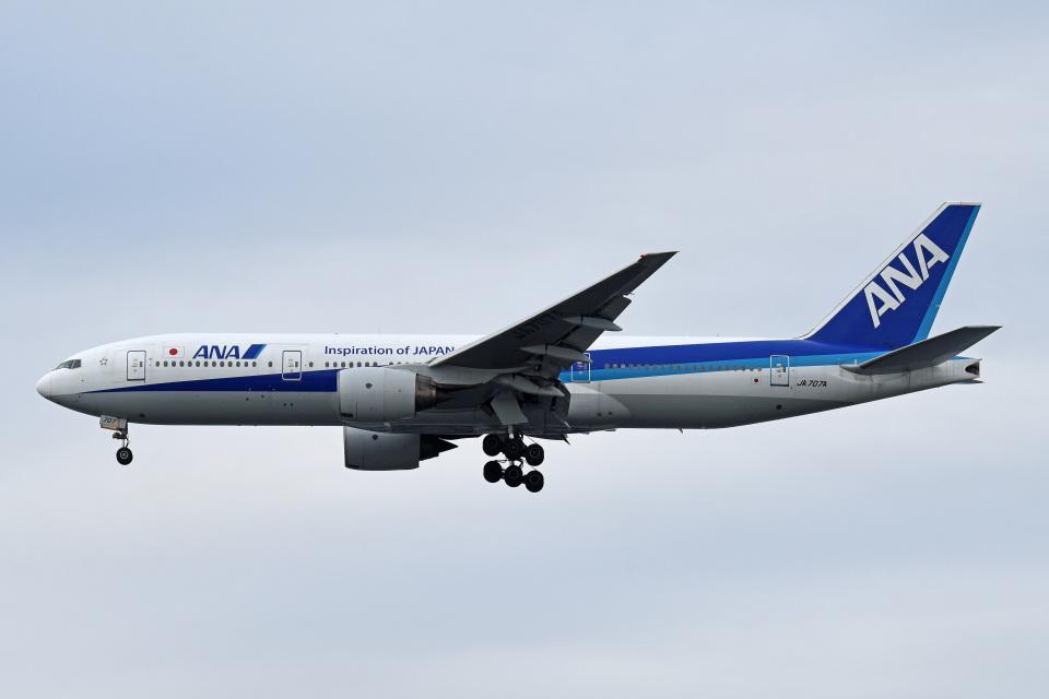 tsubasa0624さんの全日空 Boeing 777-200 (JA707A) 航空フォト