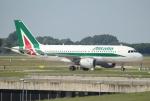セブンさんが、ミュンヘン・フランツヨーゼフシュトラウス空港で撮影したアリタリア航空 A319-111の航空フォト(飛行機 写真・画像)