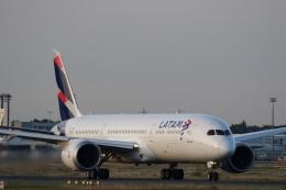 takluftさんが、フランクフルト国際空港で撮影したラタム・エアラインズ・チリ 787-9の航空フォト(飛行機 写真・画像)