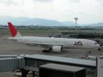 しゃこ隊さんが、伊丹空港で撮影した日本航空 777-246の航空フォト(写真)