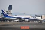 JAA DC-8さんが、伊丹空港で撮影した全日空 777-281の航空フォト(飛行機 写真・画像)