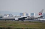 JAA DC-8さんが、伊丹空港で撮影した日本航空 777-289の航空フォト(飛行機 写真・画像)