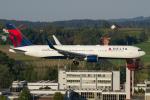 よっしぃさんが、チューリッヒ空港で撮影したデルタ航空 767-332/ERの航空フォト(写真)