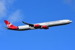RUSSIANSKIさんが、ロンドン・ヒースロー空港で撮影したヴァージン・アトランティック航空 A340-642の航空フォト(飛行機 写真・画像)