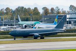 m-takagiさんが、ペインフィールド空港で撮影したアメリカ空軍 KC-46A (767-2LK/ER)の航空フォト(飛行機 写真・画像)