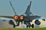 ヨッちゃんさんが、横田基地で撮影したアメリカ海兵隊 F/A-18A Hornetの航空フォト(写真)