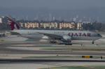 よっしぃさんが、ロサンゼルス国際空港で撮影したカタール航空 777-2DZ/LRの航空フォト(写真)