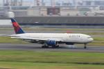 マルさんが、羽田空港で撮影したデルタ航空 777-232/ERの航空フォト(写真)