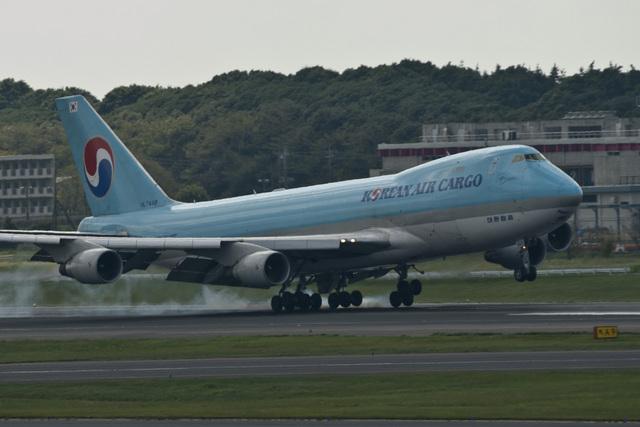 Zero Fuel Weightさんが、成田国際空港で撮影した大韓航空 747-4B5F/SCDの航空フォト(飛行機 写真・画像)