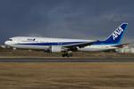 Scotchさんが、伊丹空港で撮影した全日空 767-381の航空フォト(写真)