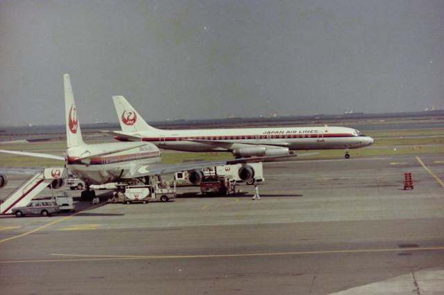 日本航空 McDonnell Douglas DC-...
