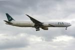 PASSENGERさんが、ロンドン・ヒースロー空港で撮影したパキスタン国際航空 777-340/ERの航空フォト(写真)