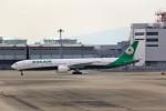 T.Sazenさんが、関西国際空港で撮影したエバー航空 777-35E/ERの航空フォト(飛行機 写真・画像)