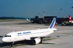 菊池 正人さんが、チューリッヒ空港で撮影したエールフランス航空 A320-111の航空フォト(写真)