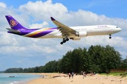 RUSSIANSKIさんが、プーケット国際空港で撮影したタイ国際航空 A330-322の航空フォト(飛行機 写真・画像)