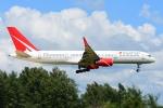 RUSSIANSKIさんが、プーケット国際空港で撮影したロイヤル・フライト 757-28Aの航空フォト(飛行機 写真・画像)