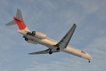 Cスマイルさんが、花巻空港で撮影した日本航空 MD-90-30の航空フォト(写真)