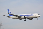 LEGACY-747さんが、成田国際空港で撮影した全日空 767-381/ERの航空フォト(写真)