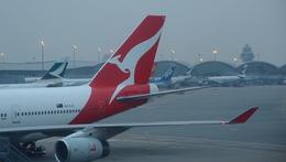 KKDさんが、香港国際空港で撮影したカンタス航空 747-438の航空フォト(写真)