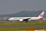 gibsonさんが、伊丹空港で撮影した日本航空 777-246の航空フォト(写真)