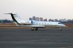 北の熊さんが、新千歳空港で撮影したヤーリアン・ビジネスジェットの航空フォト(写真)