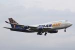 おみずさんが、福岡空港で撮影したアトラス航空 747-446の航空フォト(写真)