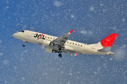 フリューゲルさんが、新潟空港で撮影したジェイエア ERJ-170-100 (ERJ-170STD)の航空フォト(飛行機 写真・画像)