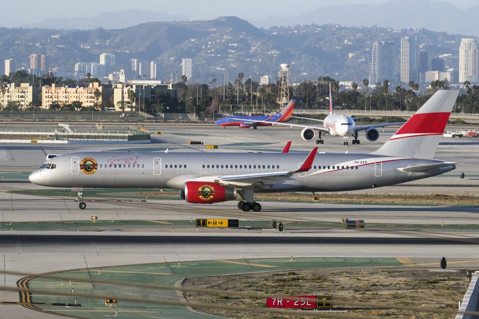 LAX Spotterさんのジェットマジック Boeing 757-200 (9H-AVM) 航空フォト