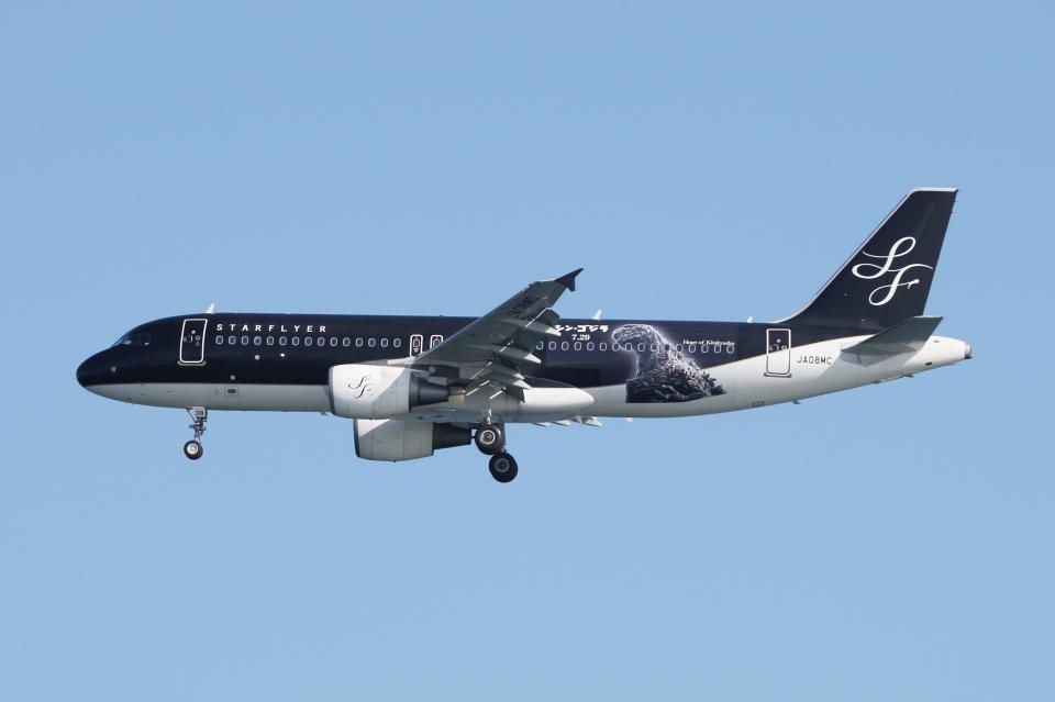 SKYLINEさんのスターフライヤー Airbus A320 (JA08MC) 航空フォト