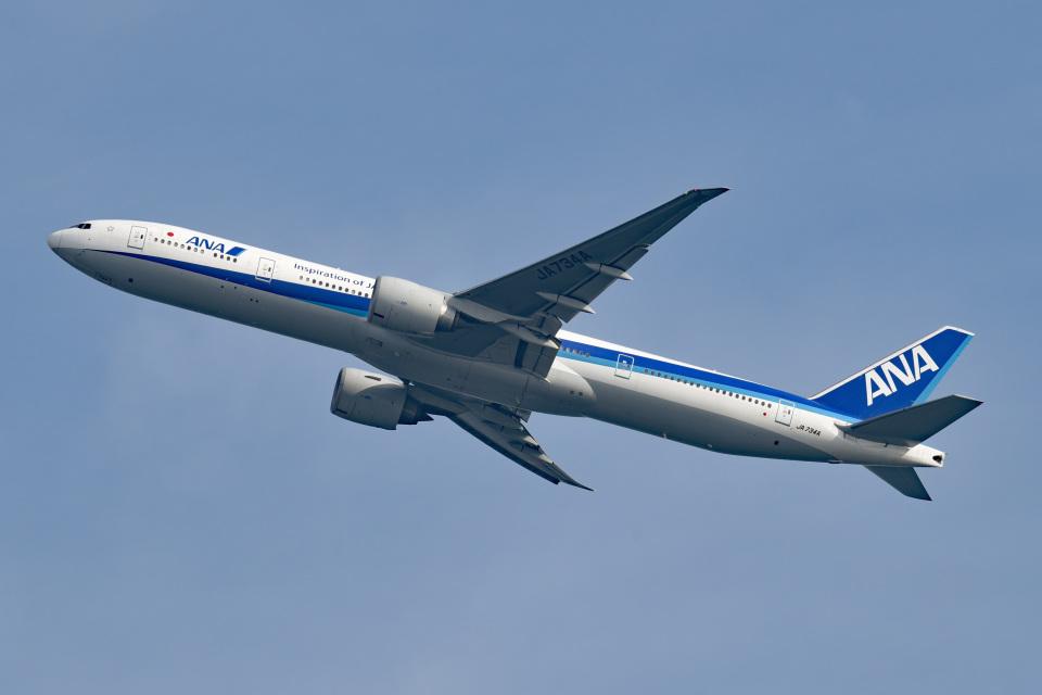 tsubasa0624さんの全日空 Boeing 777-300 (JA734A) 航空フォト