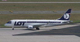matsuさんが、フランクフルト国際空港で撮影したLOTポーランド航空 ERJ-170-200 LR (ERJ-175LR)の航空フォト(飛行機 写真・画像)