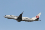 ATOMさんが、新千歳空港で撮影した日本航空 737-846の航空フォト(写真)