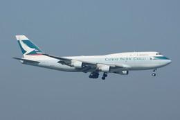 しんさんが、香港国際空港で撮影したキャセイパシフィック航空 747-412(BCF)の航空フォト(飛行機 写真・画像)