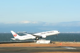LGM1928さんが、中部国際空港で撮影した日本航空 787-9の航空フォト(飛行機 写真・画像)