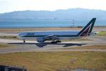 T.Sazenさんが、関西国際空港で撮影したアリタリア航空 777-243/ERの航空フォト(写真)