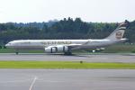 PASSENGERさんが、成田国際空港で撮影したエティハド航空 A340-541の航空フォト(写真)