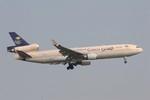 KTX8929さんが、スワンナプーム国際空港で撮影したサウジアラビア航空 MD-11Fの航空フォト(飛行機 写真・画像)