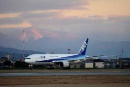 ひこ☆さんが、松山空港で撮影した全日空 777-281の航空フォト(写真)