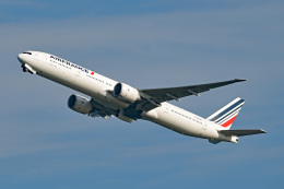 tsubasa0624さんが、羽田空港で撮影したエールフランス航空 777-328/ERの航空フォト(飛行機 写真・画像)