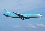 4両編成の金魚鉢さんが、プーケット国際空港で撮影したイカル 767-3G5/ERの航空フォト(写真)