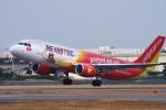 サボリーマンさんが、松山空港で撮影したベトジェットエア A320-214の航空フォト(飛行機 写真・画像)