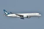 てんどんさんが、香港国際空港で撮影したキャセイパシフィック航空 A350-941XWBの航空フォト(写真)