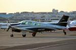 ハピネスさんが、八尾空港で撮影した日本個人所有 A36 Bonanza 36の航空フォト(写真)