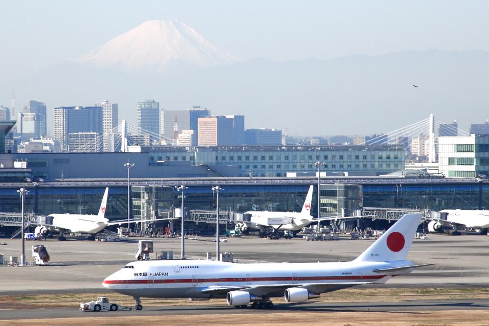 SKYLINEさんの航空自衛隊 Boeing 747-400 (20-1101) 航空フォト