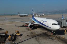 シフォンさんが、香港国際空港で撮影した全日空 767-381/ERの航空フォト(飛行機 写真・画像)