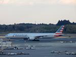 エアキヨさんが、成田国際空港で撮影したアメリカン航空 777-323/ERの航空フォト(写真)