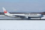 セブンさんが、新千歳空港で撮影した日本航空 767-346/ERの航空フォト(飛行機 写真・画像)