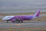 LEGACY-747さんが、関西国際空港で撮影したピーチ A320-214の航空フォト(飛行機 写真・画像)