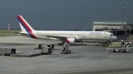twinengineさんが、クアラルンプール国際空港で撮影したロイヤル・ネパール航空 757-2F8Cの航空フォト(飛行機 写真・画像)
